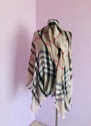 Легкий шарф в стиле burberry