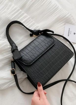 Стильная маленькая сумочка на плече, черная, новая
