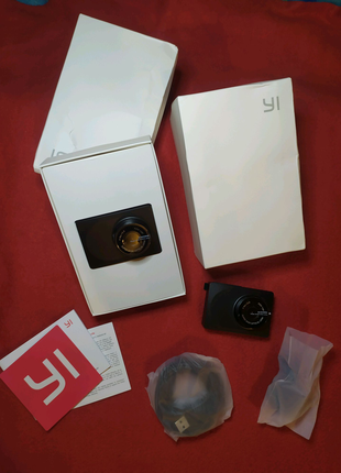 Xiaomi YI compact dash camera 1080p 30fps 130 car