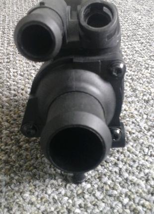 Корпус термостату Ford Focus 1