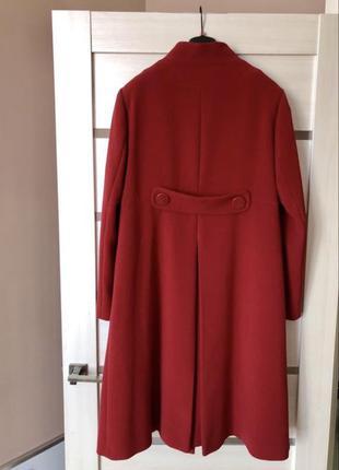 Фирменное красное пальто воротник стойка бардо  трапеция перва...