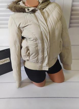Куртка на осень светлая белая бежевая  с капюшоном бомбер, s/m