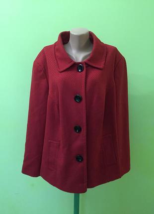 Женское пальто m&co
