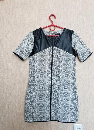 Хорошенькое платье , вставки эко-кожи river island
