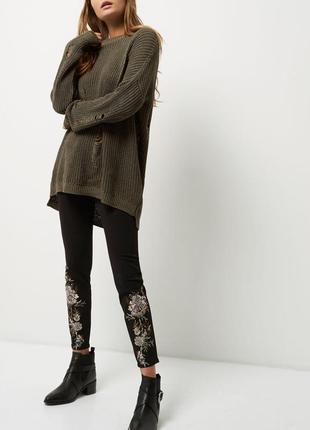 Стильные и красивые штаны от river island с вышивкой