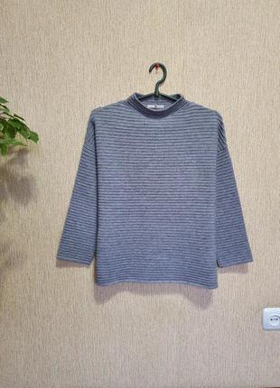 Трендровый , мягкий, стильный и качественный свитер, джемпер tu