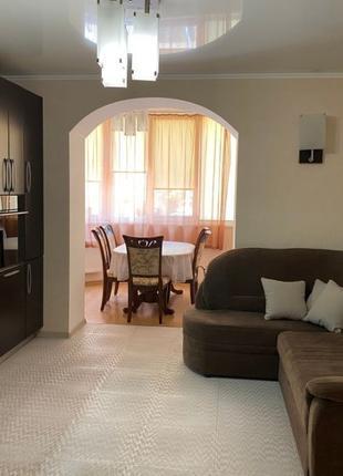 Продам 2 комнатную квартиру на Костанди