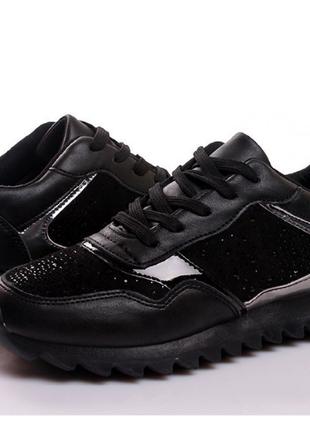 Модные женские кроссовки 8001-black