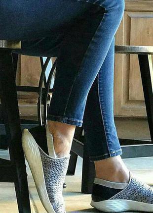 Класні сліпони  кросовки  by skechers you walk