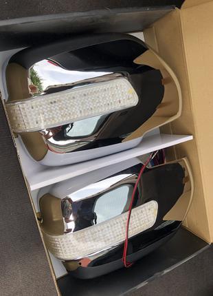 Хром накладки на зеркала с поворотниками Toyota Land Cruiser 98-0