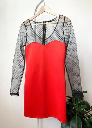 Красное платье с рукавами сеткой