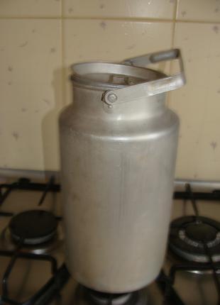 Бидон алюминиевый с крышкой в хорошем состоянии, времён СССР, 5 л