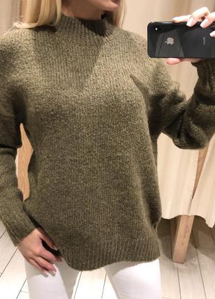 Тёплый свитер с шерстью. house. размеры уточняйте.