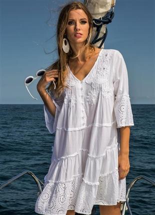 Женское летнее белое платье туника с кружевом прошвой вышивкой...