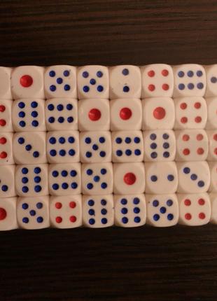 Игральные кости (кубики) 100 шт.