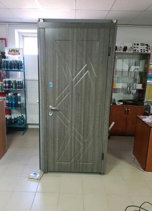 Входные двери с МДФ накладками
