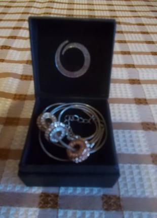 Ожерелье Три цвета победы от Oriflame
