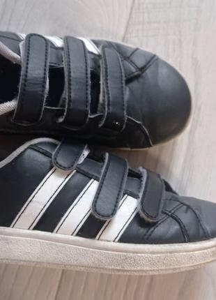 Крассовки 31 размер Adidas. Целые