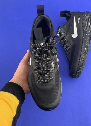 Демисезонные  мужские кроссовки  mid winter black white