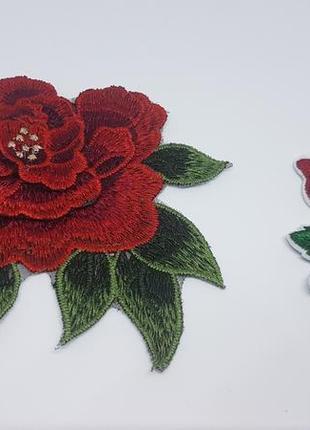 Набор из двух тканевых нашивок / апликаций роза