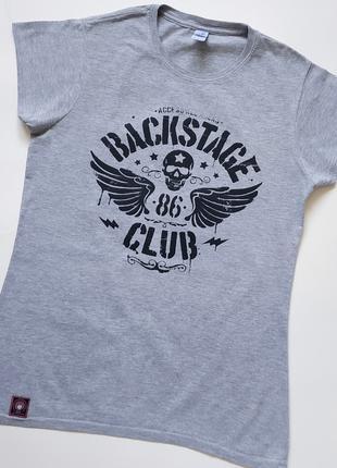 Серая футболка от gildan softstyle