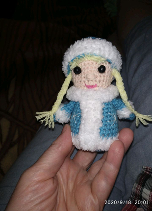 Вязаная игрушка Снегурочка ручной работы