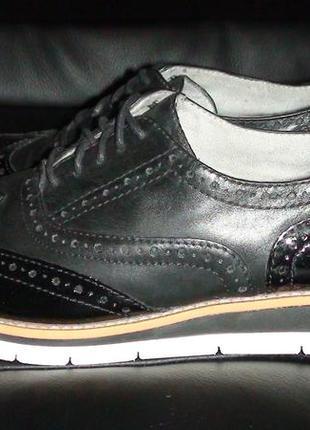 Tamaris- шкіряні туфлі. р- 39.(25.5см).