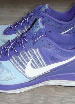 Nike- кросівки. р- 40.(25.5см).