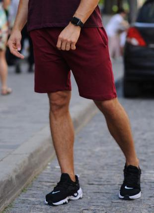 Бордовые мужские шорты