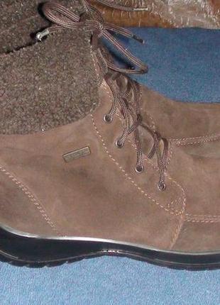 Geox waterproof - шкіряні зимові черевички. р- 39