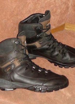 Meindl - зимові шкіряні трекінгові черевики. р- 46 (30см)