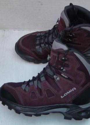 Lowa khumbu 2 gtx ws- італійські шкіряні трекінгові черевички....