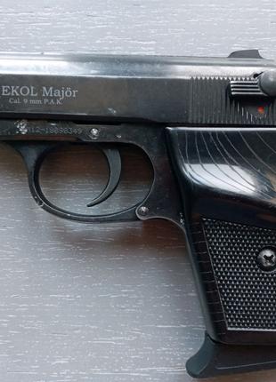 Пистолет под жвачку