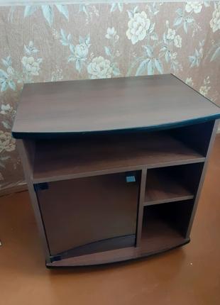 Стол столик под телевизор