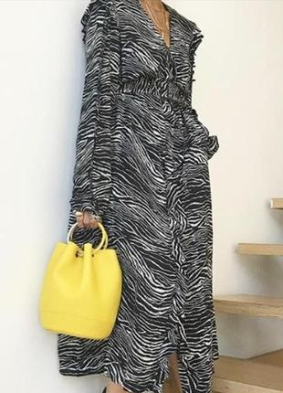 Платье рубашка миди h&m в принт зебра.