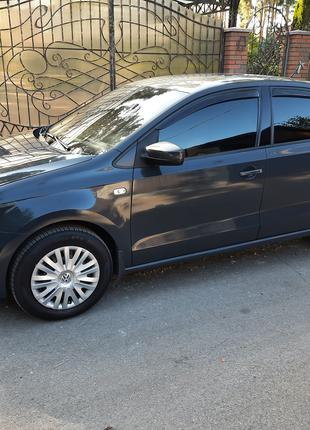 Volkswagen Polo АВТОМАТ