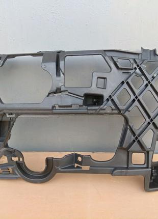 Кронштейн направляющая VW Golf VII 7 13-17г. 5G0807723 5G0807723D