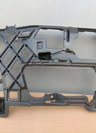 Кронштейн направляющая VW Golf VII 7 13-17г. 5G0807724 5G0807724D