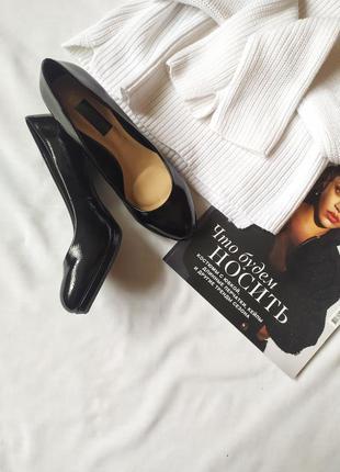 Стильные лаковые туфли-лодочки f&f