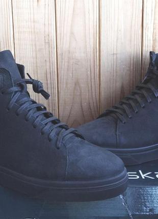 Стильные кожаные хайтопы утепленные натуральной шерстью ботинк...