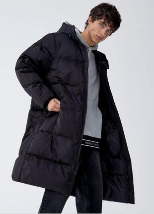 Стёганое пальто- пуховик pull&bear модного кроя кокон с капюшоном