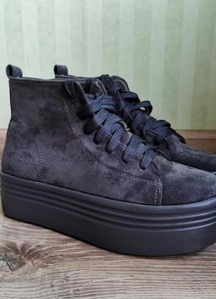 Крутые женские ботинки демисезонные распродажа