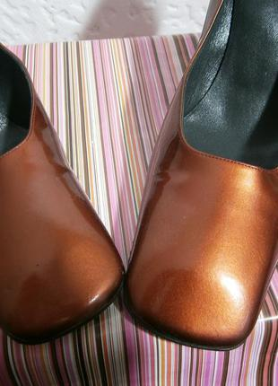 Лаковые туфли на каблуке  на ножку 25 25,5см тренд квадратный ...