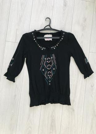 Блуза с интересным орнаментом, черная блуза.