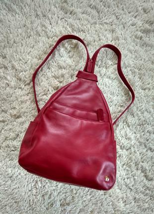 Кожаный фирменый рюкзак сумка.