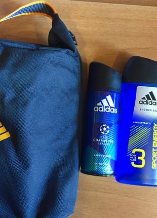 Набор Adidas гель для душа и дезодорант в косметичке