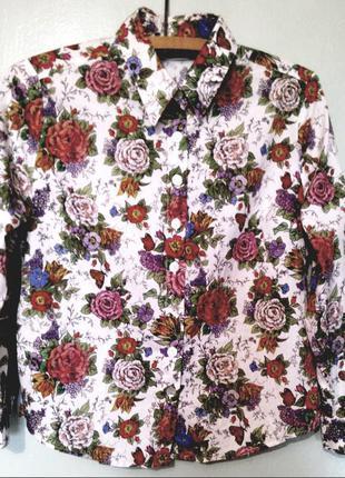 Белая рубашка в цветах