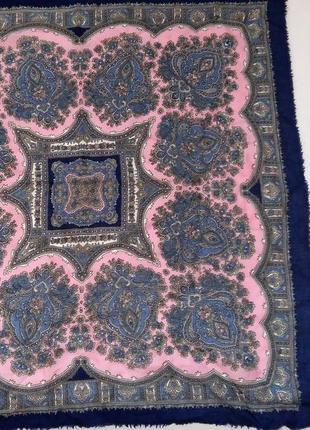 Красивый шерстяной платок австрия