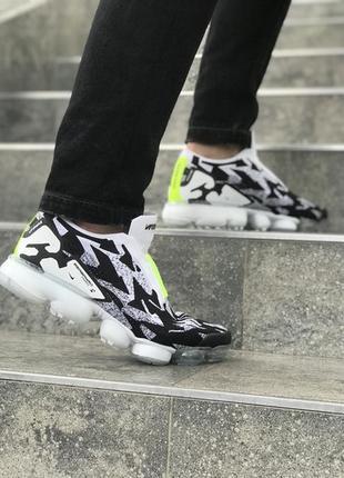Крутые стильные мужские кроссовки найк nike vapormax.