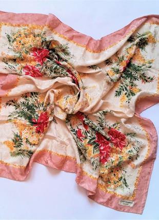 Элегантный шикарный шелковый платок diane von furstenberg /4038/